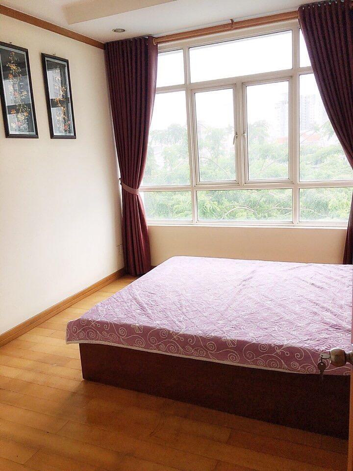 Cần cho thuê căn hộ Phú Hoàng Anh 3PN, 3WC: 13 triệu có đầy đủ đồ nội thất, chỉ cần xách vali vào ở.LH 0938 211552